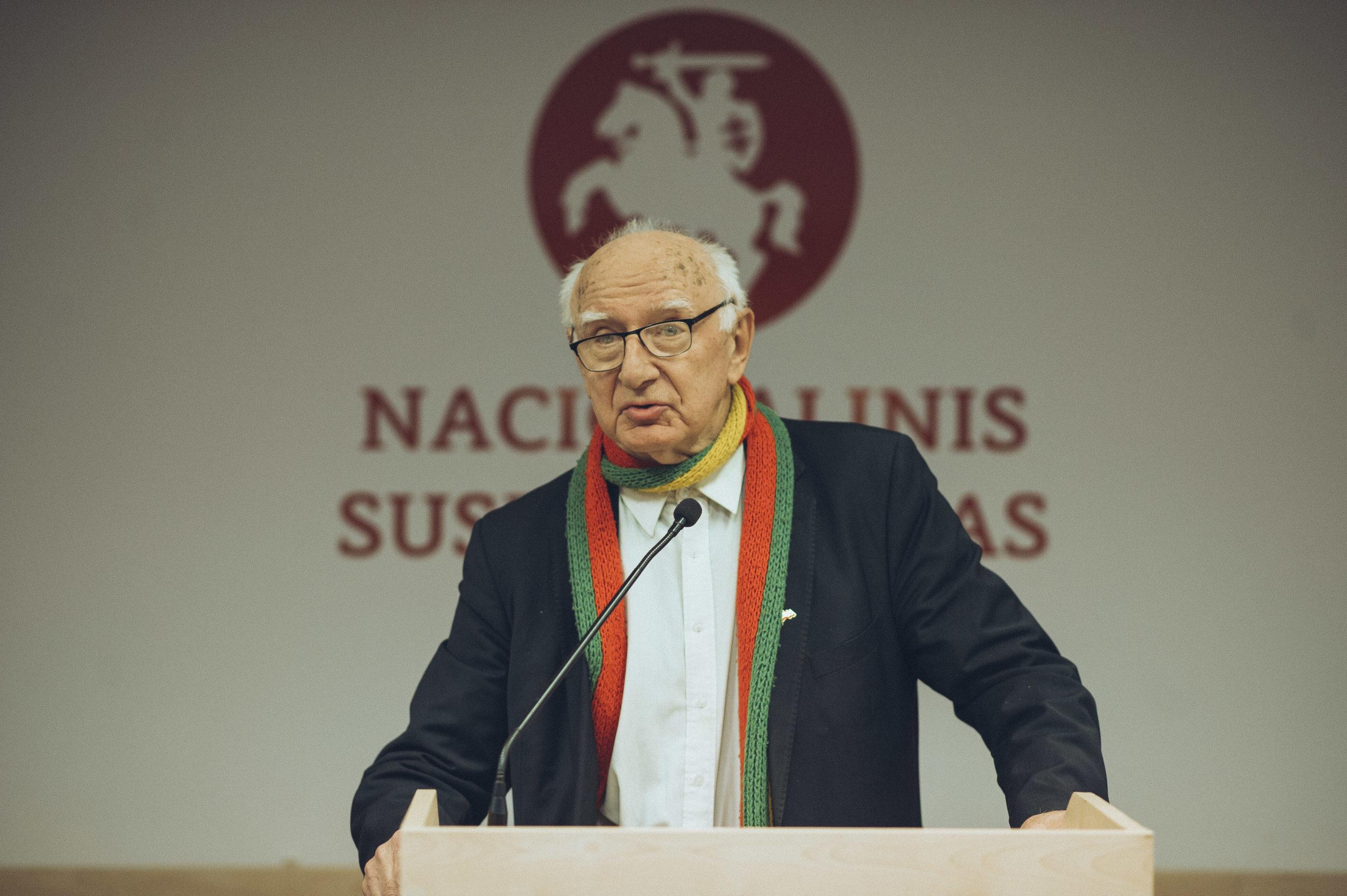 Prof. Romas Pakalnis